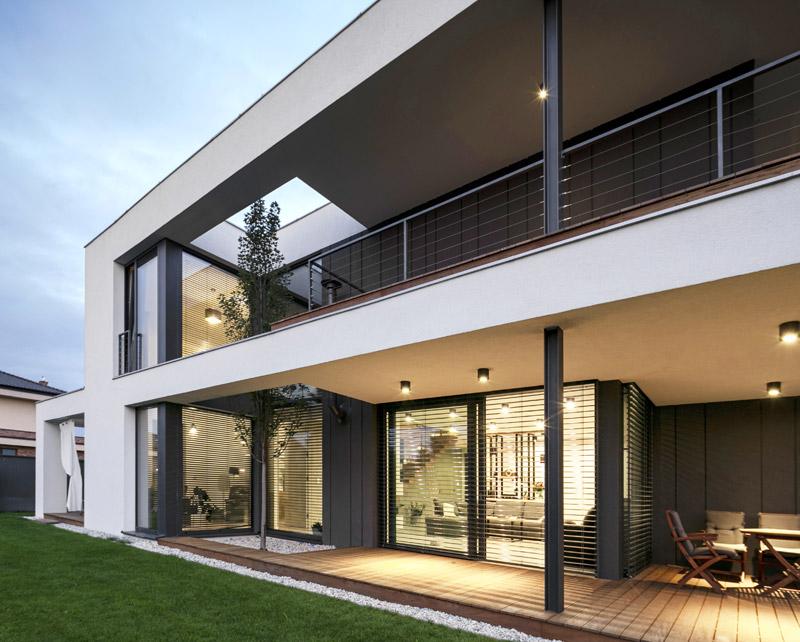 """Dom jednorodzinny """"JAK House"""" w Kwirynowie. Projekt: BECZAK / BECZAK / ARCHITEKCI"""