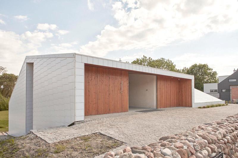 Dom na skarpie. Projekt: PAG | Pracownia Architektury Głowacki. Zdjęcia: Bartek Durczewski