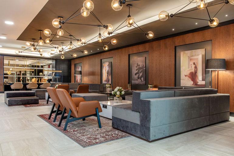 Hotel Radisson Blu w Bazylei. Projekt wnętrz: Iliard Architecture & Interior Designfot.Fot. RadissonHotel Group