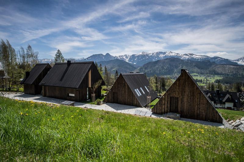 The Boats - drewniane chałupy projektu biura Karpiel Steindel Architektura