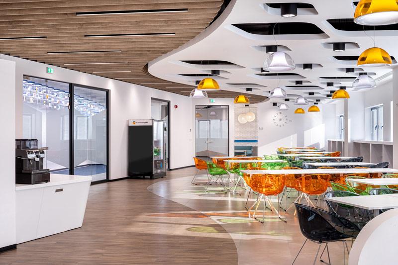 Przestrzeń pilotażowa biurowca Neuca projektu studia Massive Design. Zdjęcie: Szymon Polański
