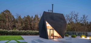 Inspirowany sztuką origami dom-instalacja pracowni Medusa Group