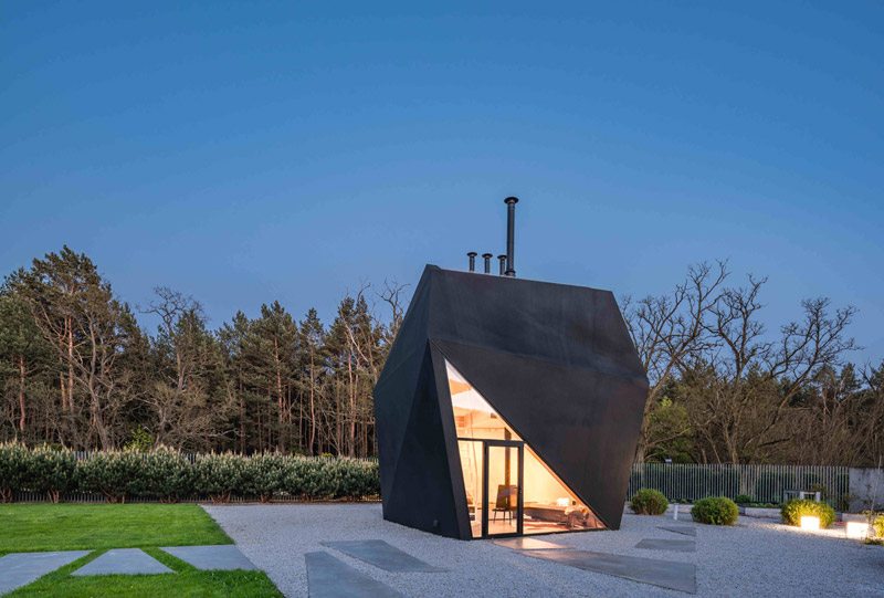 "Dom-instalacja ""Origami House"". Projekt:Medusa Group"