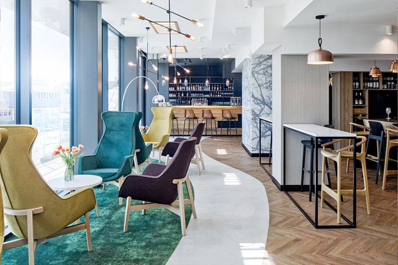 ibis Styles - Metamorfoza hotelu Laureat z lat 80-tych, Tomaszów Lubelski. Projekt wnętrz: Tremend. Zdj. Piotr Krajewski
