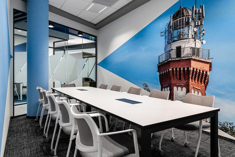 Biurowiec Grupy Neuca. Projekt wnętrz:Massive Design