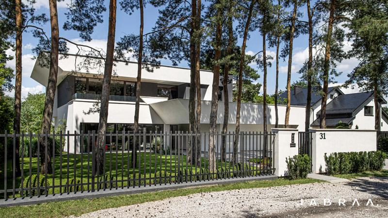 Dom Catamaran House w podwarszawskim Józefowie. Projekt:JABRAARCHITECTS Tomasz Zaleski