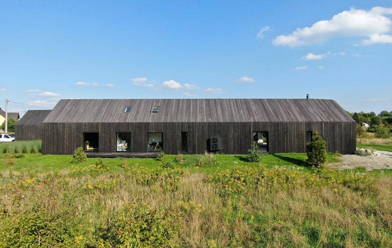 Dom w Chruszczobrodzie. Projekt:Górnik Architects
