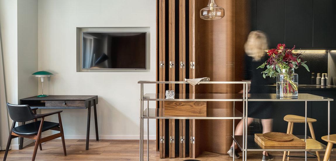 Historyczne nawiązania i współczesne formy w gdańskim apartamencie pracowni INTERURBAN