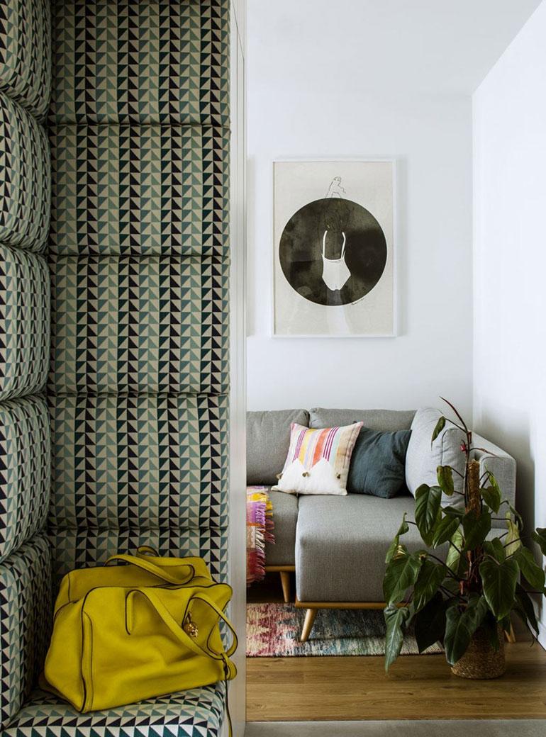 Klimatyczne mieszkanie o małym metrażu. Projekt wnętrz: Poco Design. Zdjęcia:Yassen Hristov