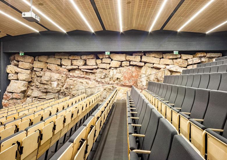 Europejskie Centrum Edukacji Geologicznej Uniwersytetu Warszawskiego w Chęcinach. Projekt: WXCA | Pracownia Architektoniczna. Zdj. Daniel Ciesielski