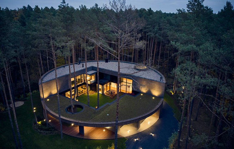 Dom Circle House. Projekt: Przemek Olczyk Mobius Architekci. Zdjęcia: Paweł Ulatowski