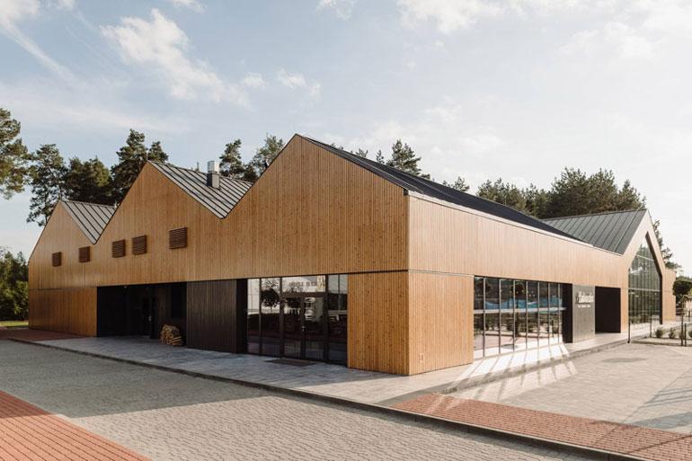 Dom Weselny w Woli Chorzelowskiej. Projekt: MEEKO Architekci. Zdjęcia: Maciej Jeżyk / ONI STUDIO
