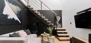 Metamorfoza 2-poziomego mieszkania. Nowoczesne wnętrza dla młodej pary