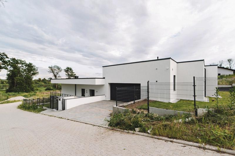 Dom nad rzeką, okolice Szczecin. Projekt: DISM Architekci. Zdj. Sylwia Gudaczewska