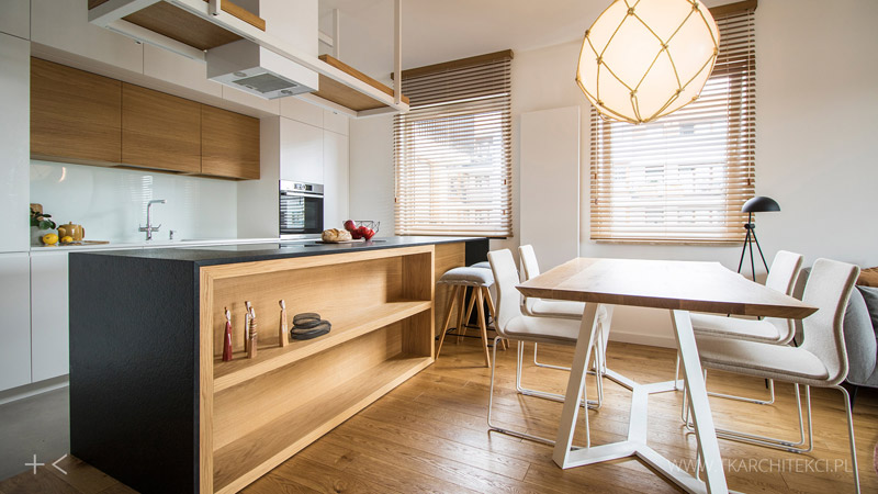 Przytulne mieszkanie ocieplone naturalnym drewnem. Projekt wnętrz:TK Architekci